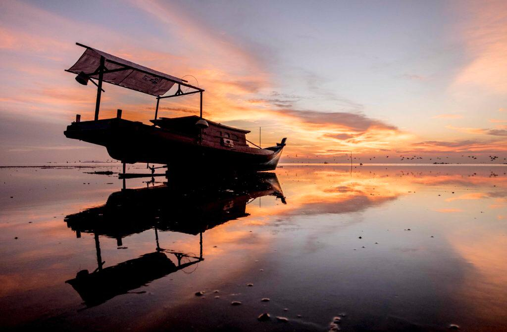 Island Tourism Being Belitung's Main Attraction